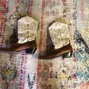 Matisse cowboy boots. Preowned in good condition